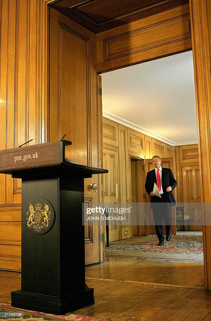 Britain's Prime Minister Tony Blair give : News Photo