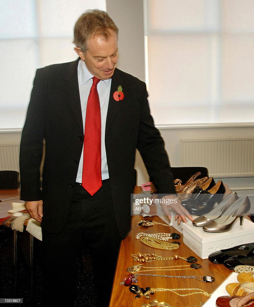British Prime Minister Tony Blair select : News Photo