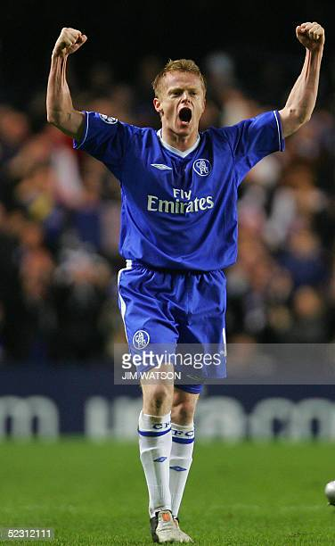 United Kingdom: Chelsea's Damien Duff celebrates scoring against Barcelona during their second leg Champion's League football match at Stamford...
