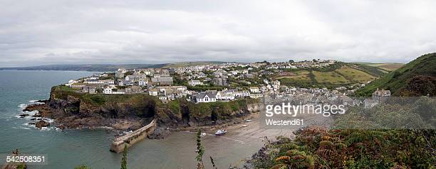 united kingdom, england, cornwall, port isaac, fishing village and harbour, panorama - port isaac stock pictures, royalty-free photos & images