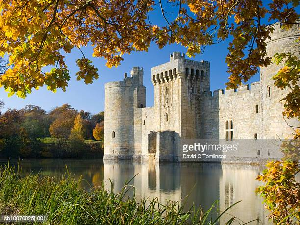 united kingdom, england, east sussex, bodiam castle and moat - 2007 stock pictures, royalty-free photos & images