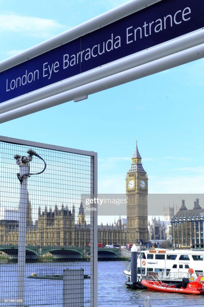 Entrance to the London Eye. : News Photo