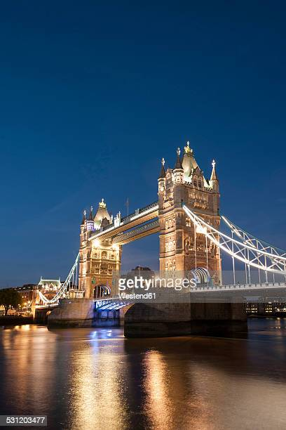 United Kingdom, England, London, River Thames, Tower Bridge in the evening light
