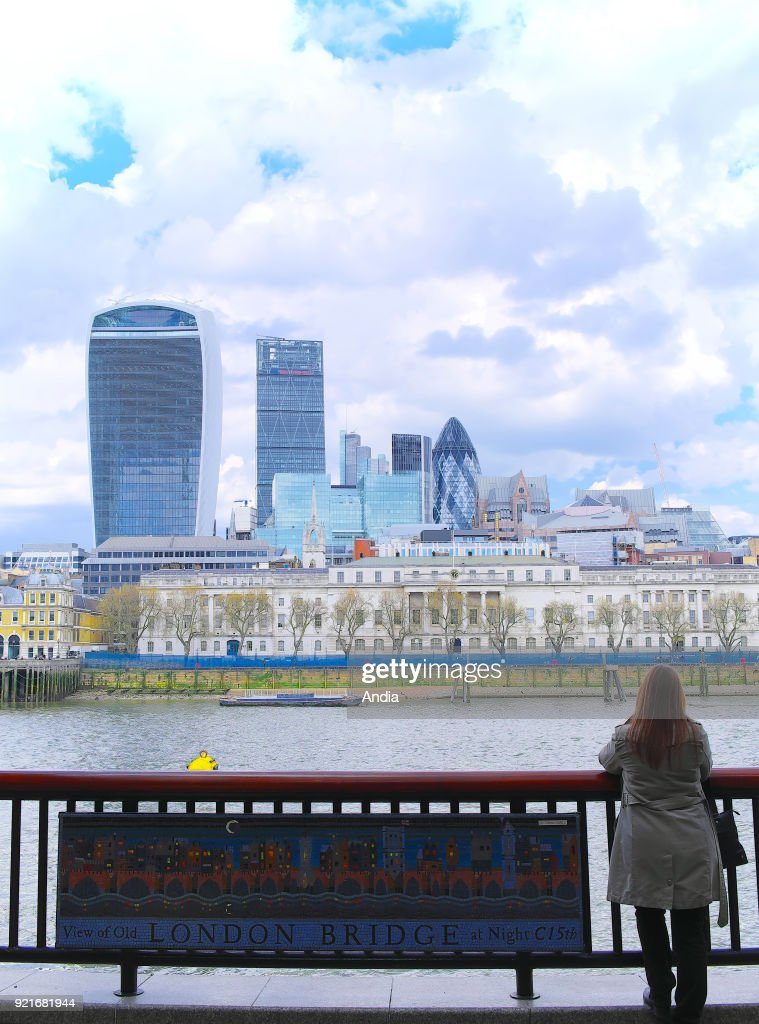 The City of London viewed from the banks of the River Thames (South Bank District). On the left, the Walkie Talkie Building.