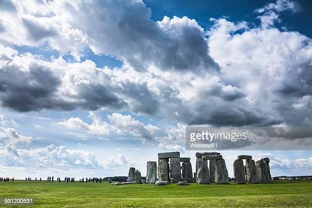 united kingdom, england, wiltshire, stonehenge - steinzeit stock-fotos und bilder