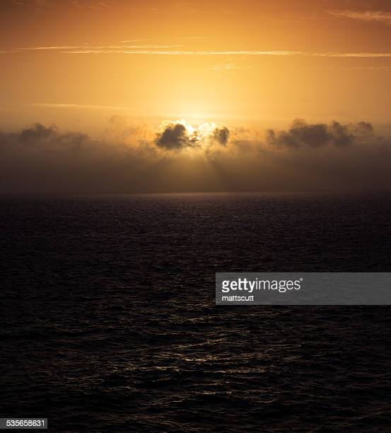 united kingdom, english channel at sunrise - mattscutt stock pictures, royalty-free photos & images