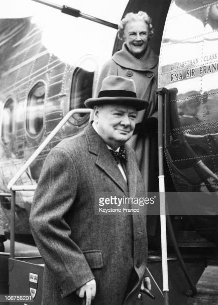 United Kingdom London Airport Mrs Churchill And Prime Minister Leave For Holiday In The South Of France September 1952