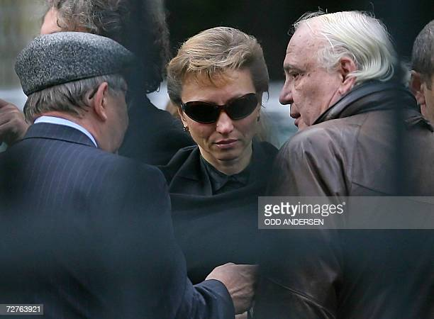 United Kingdom: Marina Litvinenko, the wife of murdered former Russian spy Alexander Litvinenko, speaks with her father in-law Walter and Soviet...