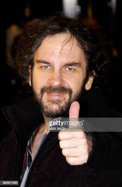 """United Kingdom: New Zealand director Peter Jackson arrives for the British film premiere of """"King Kong"""" in London's Leicester Square, 08 December..."""