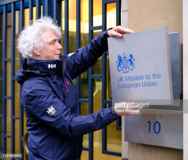 United Kingdom official changes the plaque from 'Permanant Representation to the EU Brussels' for 'UK Mission to the European Union' on February 1...