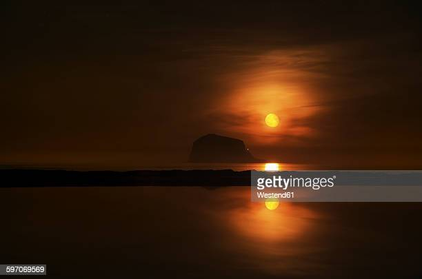 United Kingdom, Scotland, East Lothian, North Berwick, Red moon rise, Bass Rock