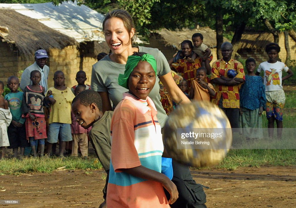 Angolans Return Home : News Photo