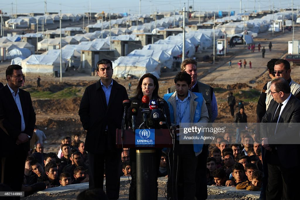 Angelina Jolie visits Ezidi refugee camp in Irak's Dohuk : Foto jornalística