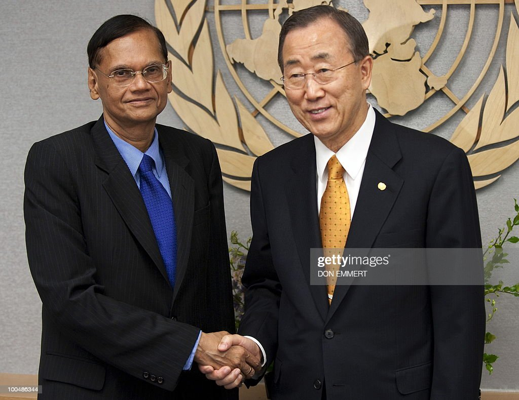 United Nations Secretary Ban Ki-moon (R) meets with Sri Lankan Foreign Minister G.L. Peiris on March 24, 2010 at the United Nations in New York.