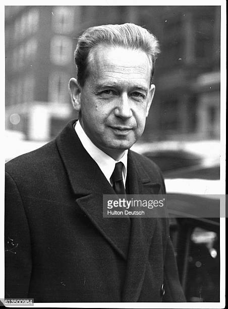 United Nations Secretary General Dag Hammarskjold leaves Claridges Hotel for a meeting at Britain's Foreign Office