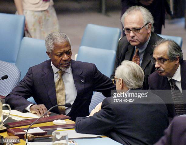 United Nations Secretary General Kofi Annan and JeanMarc de La Sabliere French Ambassador to the UN talk 30 July after an emergency meeting of the...