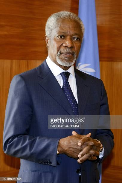 United NationsArab League envoy Kofi Annan stands prior to a meeting with MajorGeneral Robert Mood of Norway on April 4 2012 at the UN offices in...