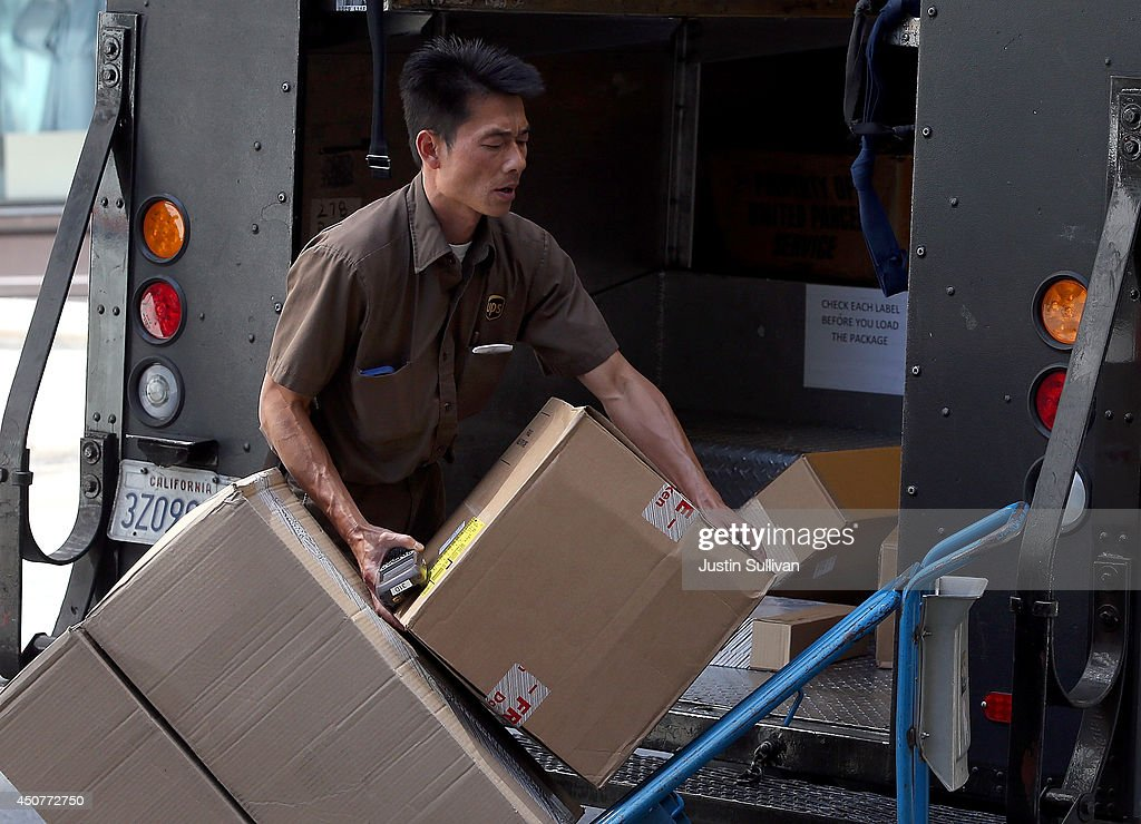 UPS To Factor Box Size Into New Pricing Method : News Photo