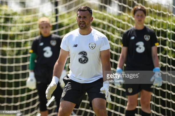 CALIFORNIA United States 1 August 2019 Goalkeeping coach Gianluca Kohn works with goalkeepers Grace Moloney left and Marie Hourihan during a Republic...
