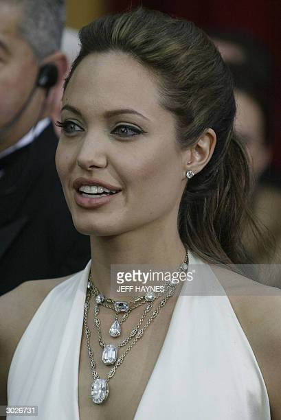 Actress Angelina Jolie arrives for the 76th Academy Awards ceremony 29 February 2004 at the Kodak Theater in Hollywood CA AFP PHOTO/Jeff HAYNES