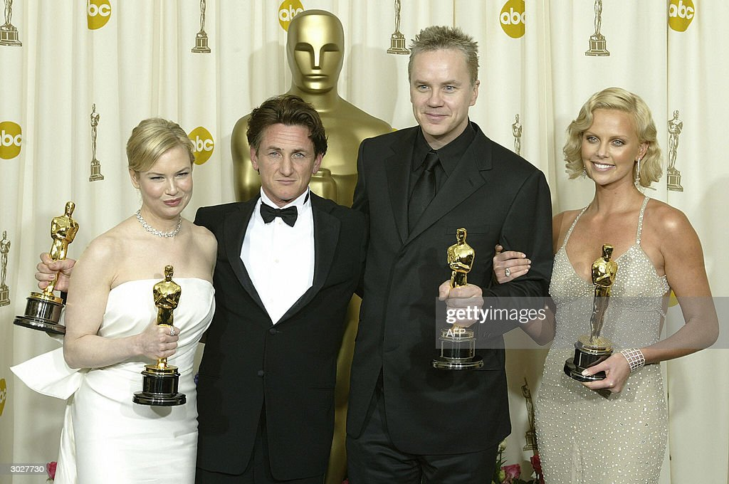 (From L-R) Best Supporting Actress Renee : News Photo