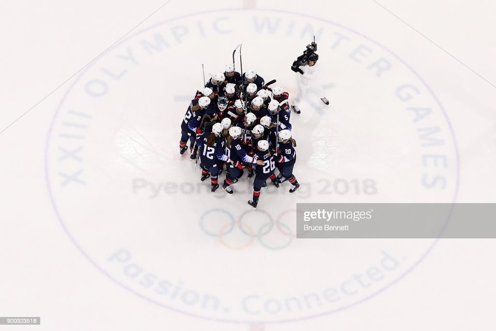 Ice Hockey - Winter Olympics Day 10 : News Photo