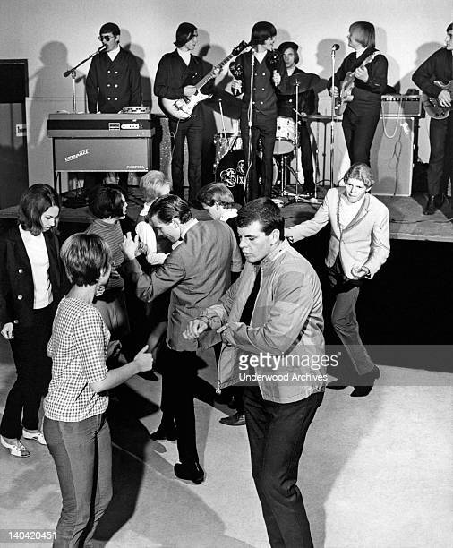 Sixties Dancing Stock Photos And Pictures