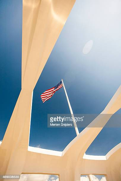 united states flag at pearl harbour - 真珠湾 ストックフォトと画像