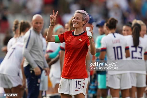 TOPSHOT United States' forward Megan Rapinoe celebrates at the end of the France 2019 Women's World Cup round of sixteen football match between Spain...