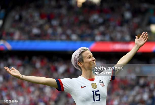 TOPSHOT United States' forward Megan Rapinoe celebrates scoring her team's first goal during the France 2019 Women's World Cup quarterfinal football...