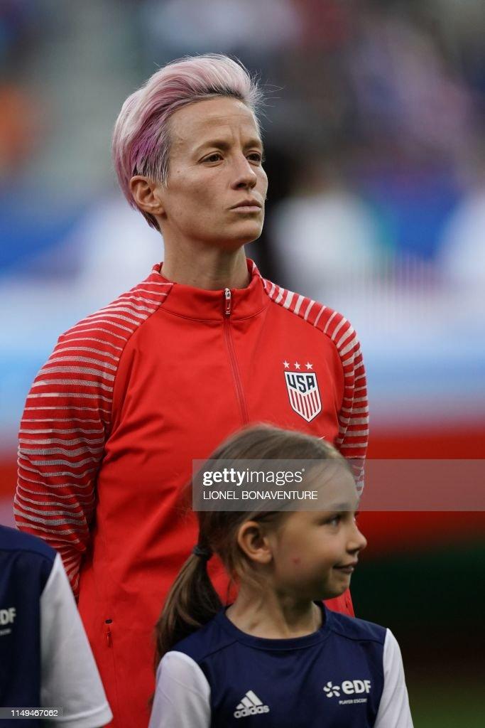 FBL-WC-2019-WOMEN-MATCH11-USA-THA : News Photo