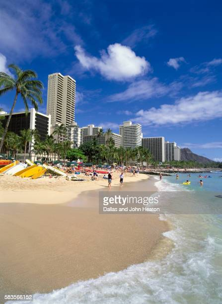 united states, hawaii, honolulu, waikiki beach - ワイキキビーチ ストックフォトと画像