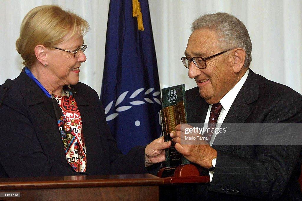 Kissinger Receives USOC Award : News Photo