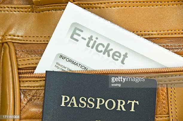 Passeport des États-Unis et un Billet électronique