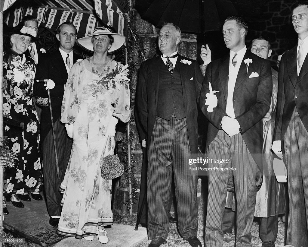 United States President Franklin D Roosevelt Centre With His Family L R