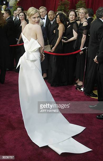 United States: Renee Zellweger arrives for the 76th Academy Awards ceremony 29 February, 2004 at the Kodak Theater in Hollywood, CA. Zellweger is...