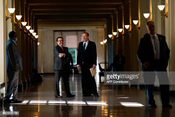 United States Trade Representative Robert Lighthizer and Mexico Secretary of Economy Ildefonso Guajardo Villarreal wait for the start of a press...