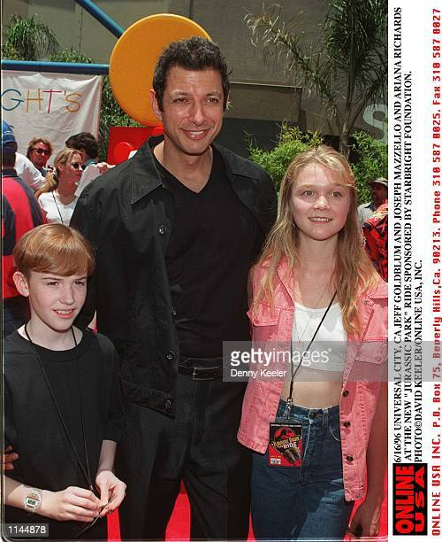 Universal City Ca Jeff Goldblum and Joseph Mazzello and Ariana Richards at the Jurassic Park ride sponsored by StarBright Foundation