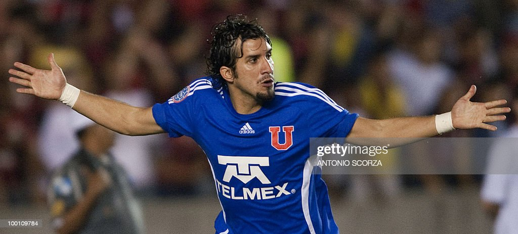 Universidad de Chile player Mauricio Vic