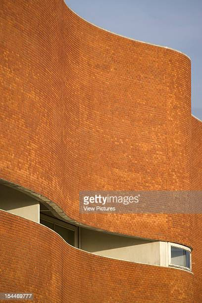 University Library Biblioteca UniversitaRia Alvaro Siza Aveiro Portugal Perspective Detail Of Curved Brick Facade Alvaro Siza Portugal Architect