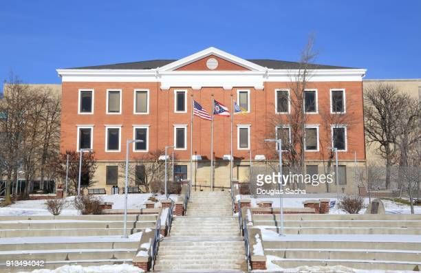 university of akron campus, buchtel hall building, akron, ohio, usa - quaker oats stock pictures, royalty-free photos & images