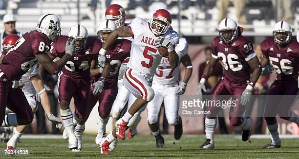 University of Arkansas runningback Darren McFadden returns a kickoff 93 yards for a touchdown during the first half of the Razorback's 2814 victory...