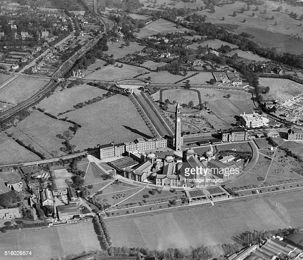 University of Birmingham Edgbaston September 1938 Surrounded by open countryside the semicircular radial plan of Chancellor's Court with the 1908...