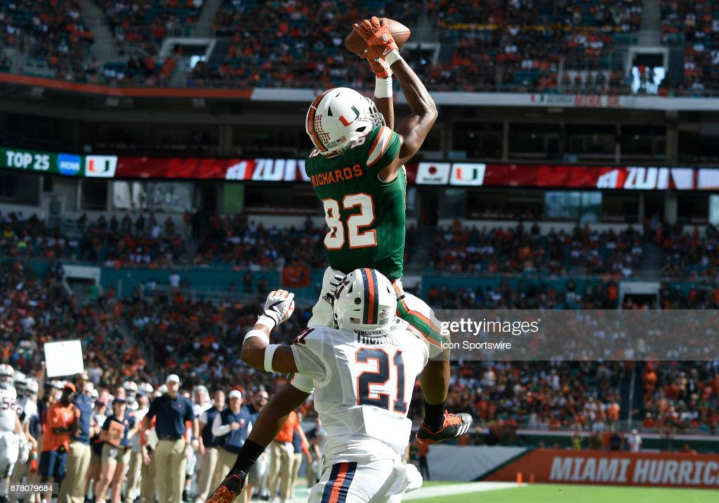 COLLEGE FOOTBALL: NOV 18 Virginia at Miami : News Photo