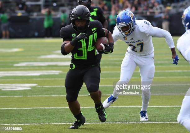 University of Oregon RB CJ Verdell runs the ball during an NCAA football game between the Oregon Ducks and San Jose State Spartans on September 15 at...