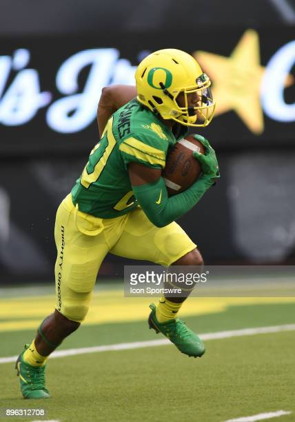 University of Oregon RB Tony BrooksJames returns the opening kickoff for a touchdown during an NCAA football game between the Southern Utah...