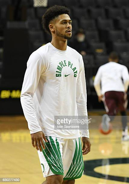 University of Oregon sophomore guard Tyler Dorsey warms up during a nonconference NCAA basketball game between the University of Montana Grizzlies...