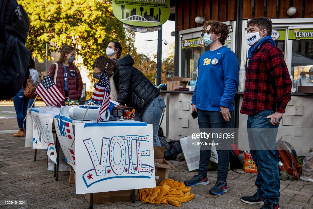 University of Pittsburgh students with Biden/Harris signs... : News Photo