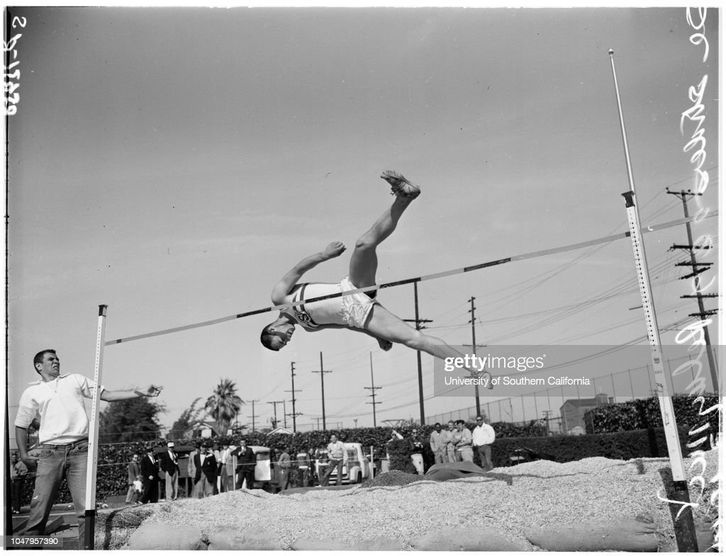 University of Southern California versus The Striders relays meet, 1961 : News Photo