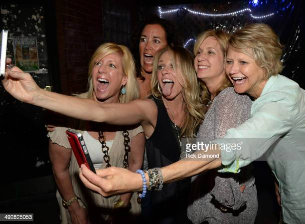 University of Tennessee Alphi Delta Pi Sority Sisters attend Singer/Songwriter Deana Carter's performance and then do a sority selfie at The Basement...